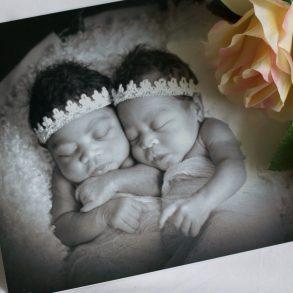 birth to twins