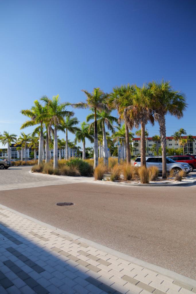 Siesta Key Beach Parking